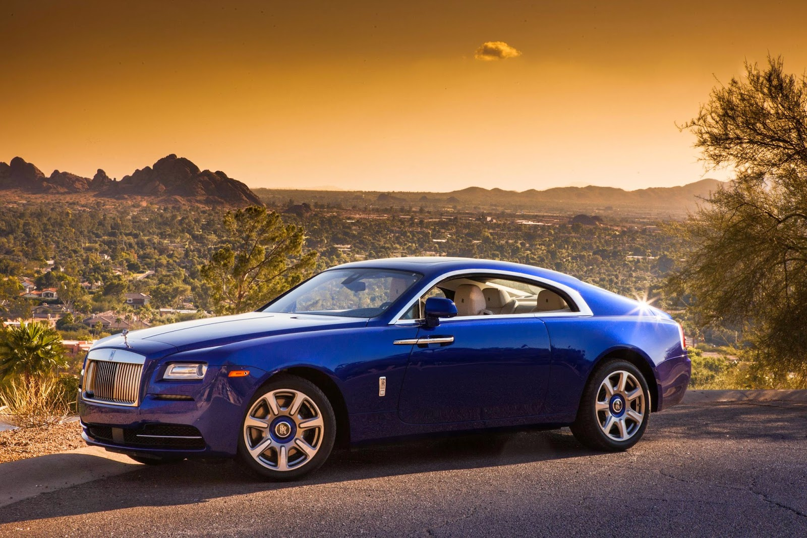 hd rolls royce wraith 2014 wallpaper besthdwallpapers2. Black Bedroom Furniture Sets. Home Design Ideas