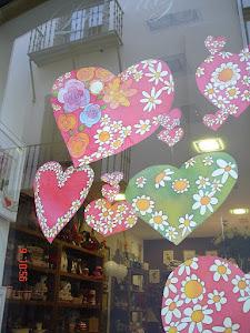 Con flores en el corazón