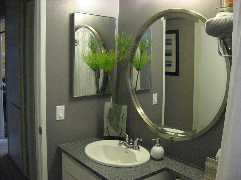 Elegance of living: Bathroom Mirrors Designs