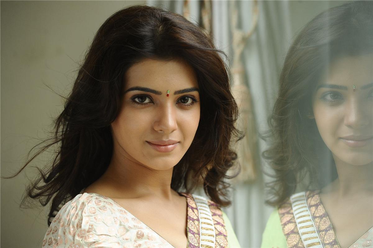 samantha in eega movie wallpapers - Eega Telugu movie images stills gallery IndiaGlitz