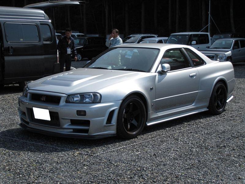 Nissan Skyline GT-R, R34, Godzilla, kultowy samochód, auto z duszą, sportowy, japoński, ikona, RB26DETT, piękny design, ponadczasowy, galeria