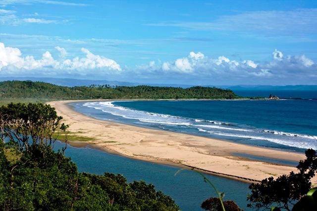 222222211111 Pantai Sawarna, Pesona Phuket Thailand