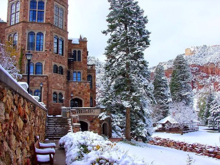 Heroes Heroines And History Glen Eyrie The Castle In