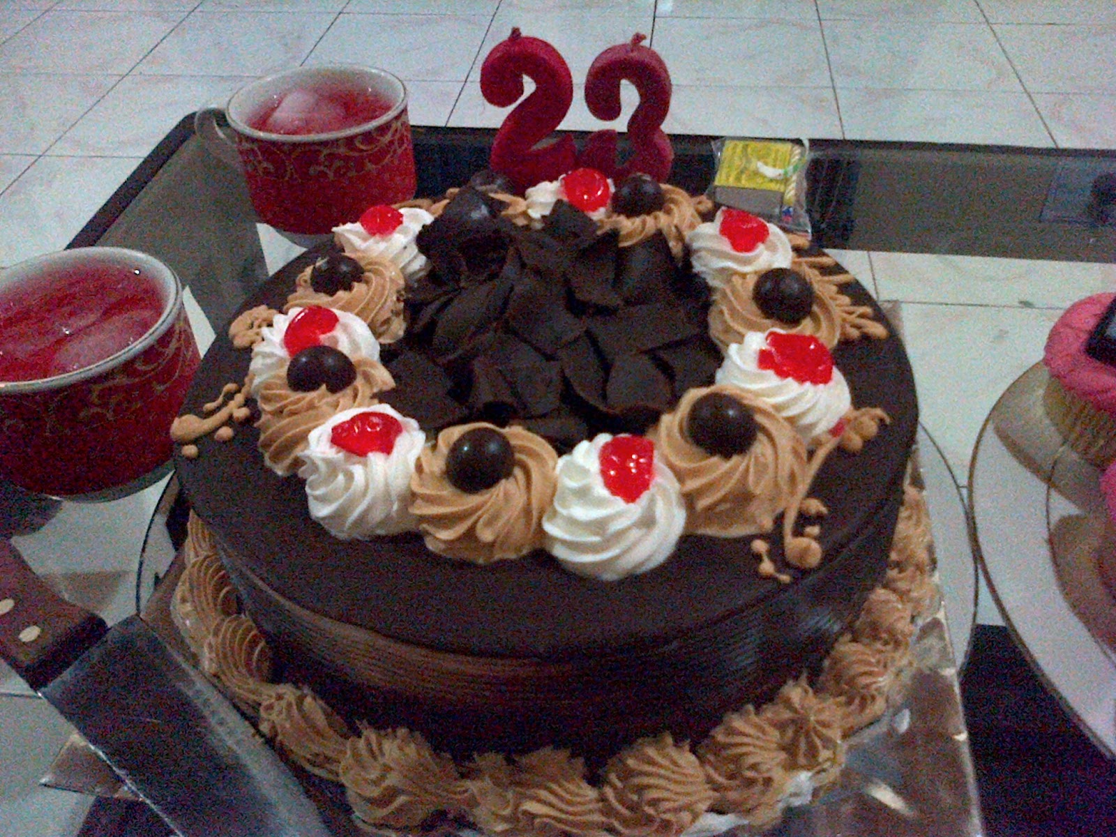 My unforgettable 23th birthday because life is that easy my birthday cake thecheapjerseys Gallery