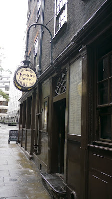 Ye Olde Cheshire Cheese Pub London