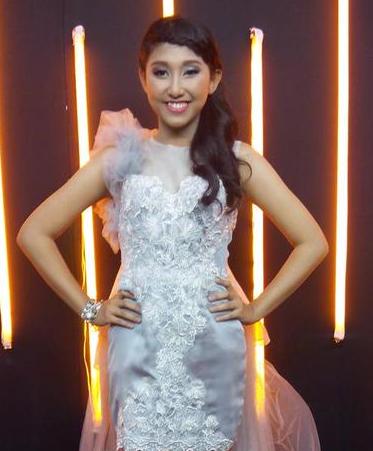 reyna qotrunnada Yang Keluar di Rising Star Indonesia tadi malam 5 Desember 2014