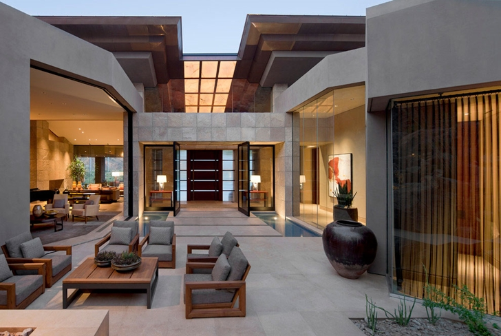 Modern terrace of Dream home in the desert, Paradise Valley