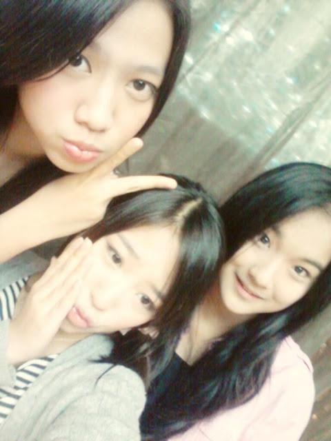 Foto Shania, Haruka, Della JKT48 Selca Singapura