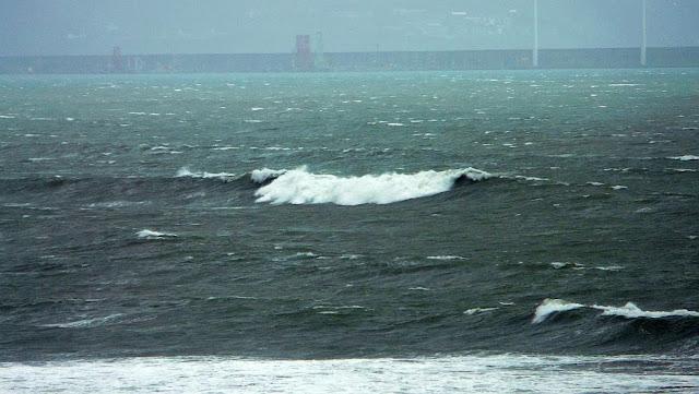 temporal en el mar sopelana 02