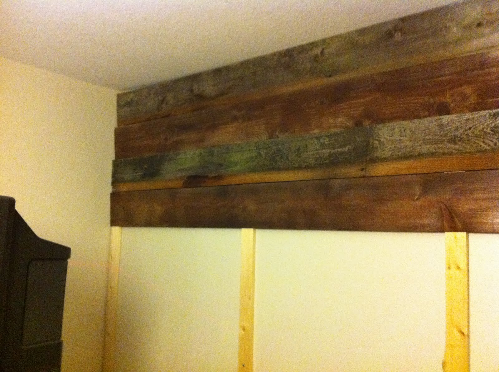 Outstanding Wooden Feature Wall Ideas Adornment - Wall Art ...