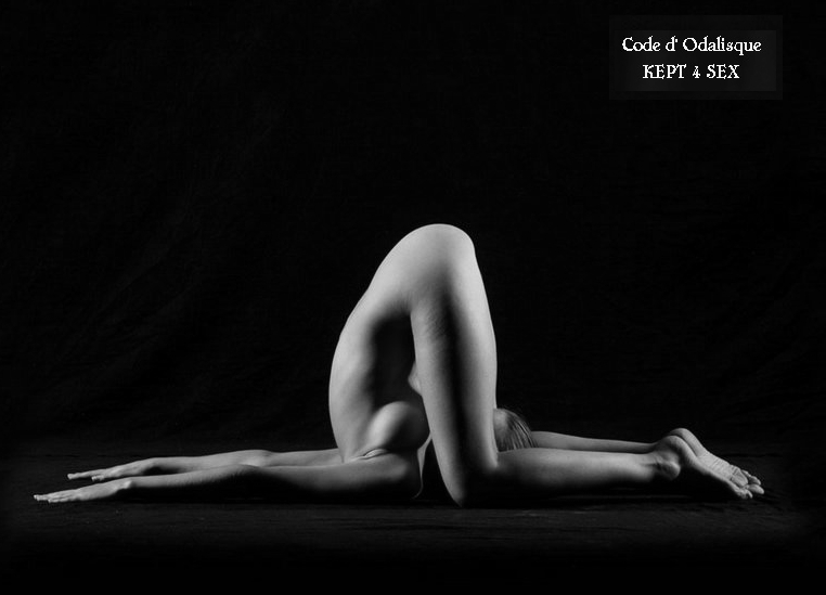 devushki-golaya-yoga