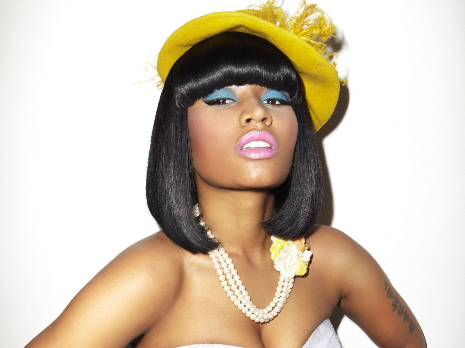 http://4.bp.blogspot.com/-ZDjl44KkuNI/T8N23L5dd3I/AAAAAAAAAPA/S5OZKH6mPew/s1600/Nicki+Minaj+wallpapers+10.jpg