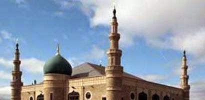 Karakteristik Orang yang Memakmurkan Masjid