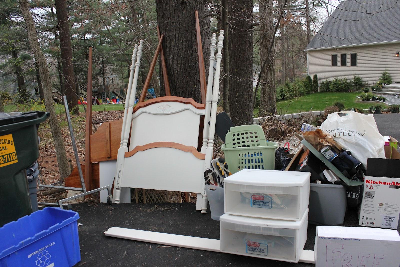 Hailey S Treasures Curb Alert Canopy Bed