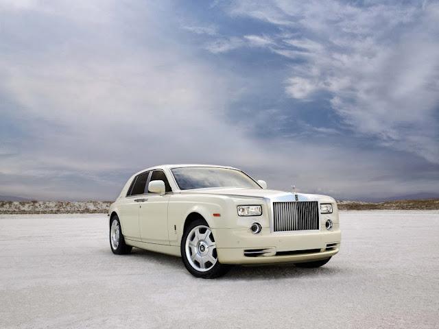 """<img src=""""http://4.bp.blogspot.com/-ZDzKh1QzLws/UtQOxGUIjSI/AAAAAAAAHz4/11ggT2baCR8/s1600/rolls-royce-1989.jpeg"""" alt=""""Rolls Royce wallpapers"""" />"""