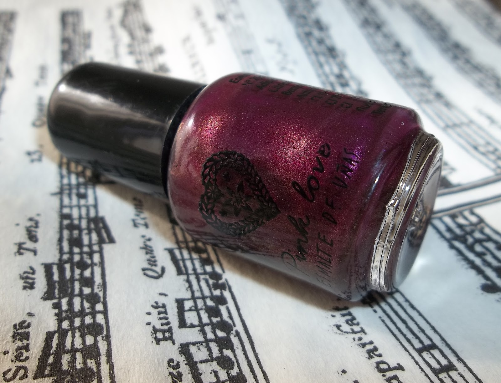 miss phibes.: Mini esmalte Pink Love - Bordó-bordeaux