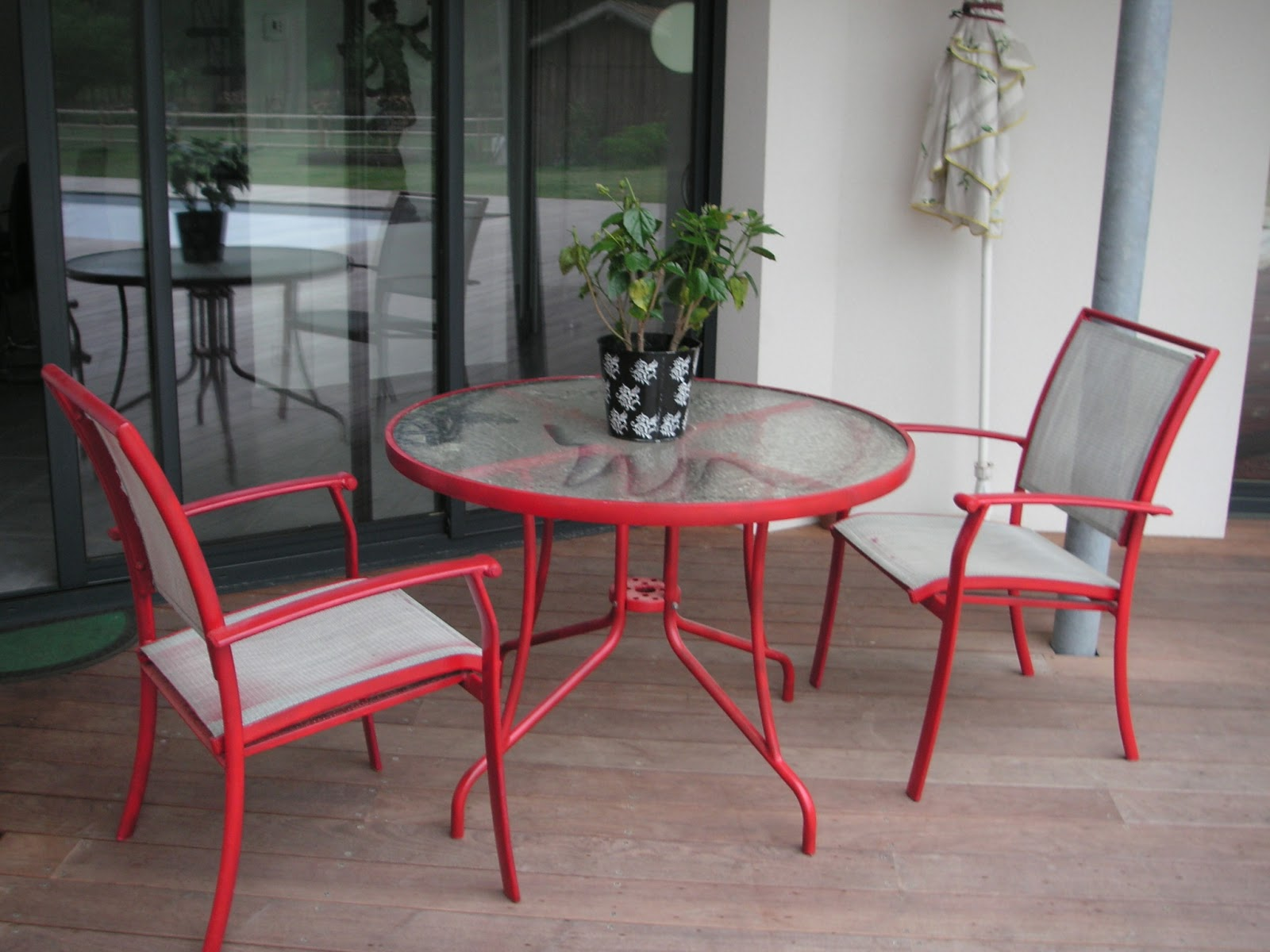 l 39 atelier d co du capagut le salon de jardin d 39 emmanuelle. Black Bedroom Furniture Sets. Home Design Ideas