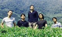 Padi adalah salah satu kelompok band yang personilnya terdiri dari Fadly (Andi Fadly Arifuddin-vokal), Ari (Ari Sosianto-gitar), Yoyo (Surendro Prasetyo-drum), Rindra (Rindra Risyanto Noor-bas) dan Piyu ( Satriyo Yudi Wahono-gitar).   Padi sendiri merupakan grup kreativitas seni mahasiswa Universitas Airlangga Surabaya, yang semula bernama 'Soda', namun kemudian diganti menjadi Padi.  Padi mulai deiknal masyarakat pada penghunjung tahun 1990 an. Musiknya dinggap baru pada waktu itu, mengusung genre pop rock namun ada sentuhan Jazz dan blus pada album mereka TAK HANYA DIAM, meskipun saat ini banyak sekali band-band baru yang muncul tidak membuat group ini untuk mudah dilupakan dimata para fans-fansnya, meskipun cahaya bintangnya mulai meredup. Akantetapi mereka tetap bertahan dan konsisten untuk mengeluarkan album baru meskipun jenjangnya agak lama.  Mereka bermain band dari kampus ke kampus. Meskipun grup baru (didirikan secara resmi pada 8 April 1997), mereka tergolong matang dan selalu tegas dalam setiap konsep yang mereka buat. Sejak awal mereka memantapkan diri di jalur pop rock. Mungkin karena itu pula Sony Music tertarik untuk mengelola Padi. Padahal, sebelumnya Aquarius dan RIS Music menolak mereka. Namun mereka sempat menolak Sobat untuk jadi lagu andalan di album pertama mereka. Soalnya, mereka telah menyiapkan Demi Cinta sebagai lagu jagoan. Karena itulah lagu Sobat, yang menurut Sony menarik, dimasukkan di album Indie Ten. ''Mungkin itu sudah jalan kita, harus ikut album kompilasi dulu,'' ujar Yoyo.  Dalam website resminya www.sobatpadi.net Padi mengaku mengedepankan lirik sebagai kekuatan musik mereka, sedangkan musik hanya menjadi pendukung lirik. Biasanya, mereka selalu  membuat liriknya lebih dulu, baru kemudian menentukan musiknya. Tapi, menurut Yoyo, tak tertutup kemungkinan mereka membuat musiknya terlebih dulu. ''Tapi tetap saja liriknya harus mendukung.'' Ide lagu kebanyakan bersumber dari rasa sakit hati karena putus cinta, perasaan dan pengalam