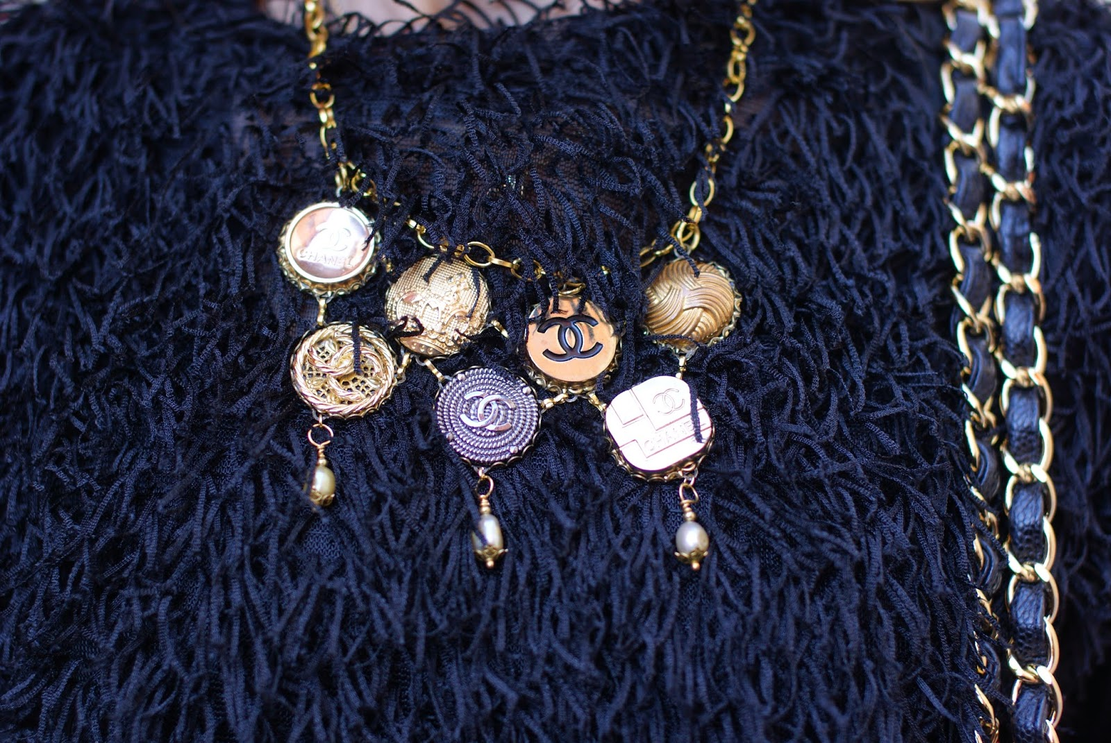 Theatrebijoux necklace, vintage chanel buttons necklace, Fashion and Cookies, fashion blogger