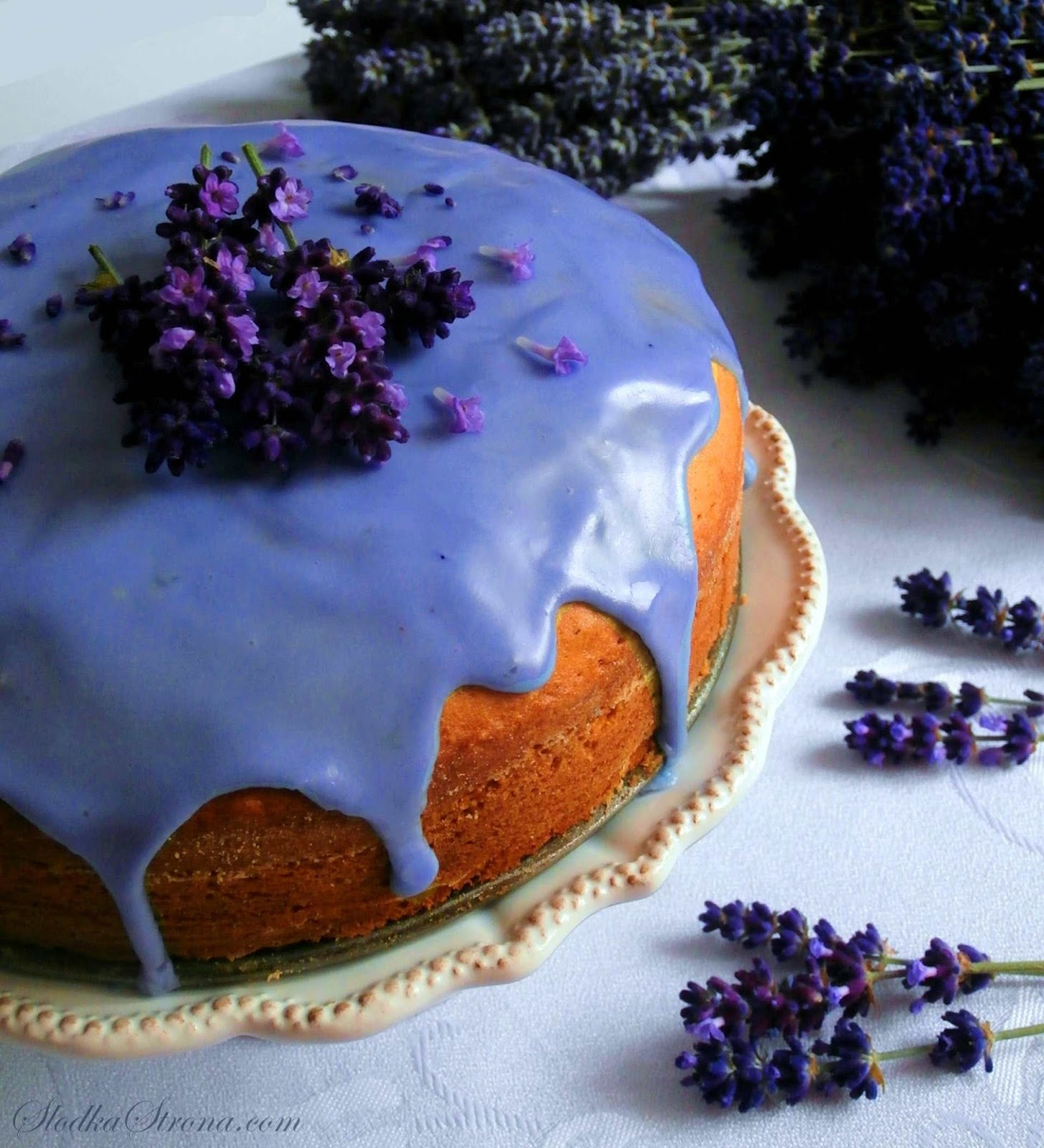 Ciasto Lawendowe z Cytryną i Migdałami - Przepis - Slodka Strona