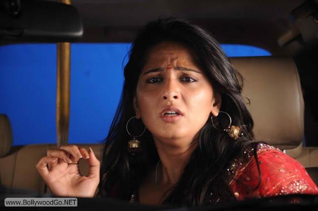 Anushka+Shetty+(10)