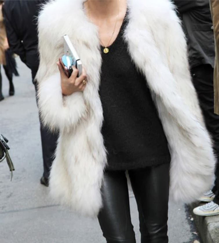 Street style all black + white fur coat