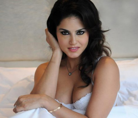 Sunny Leone's photos: Hot bedroom scene with white lingerie in 'Jism
