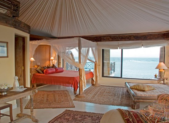 Safari Fusion blog | Four-poster beds | Coastal Arabian style at Alfajiri Villas, Kenya