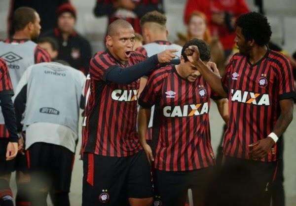 Sport e Atlético-PR goleiam na estreia