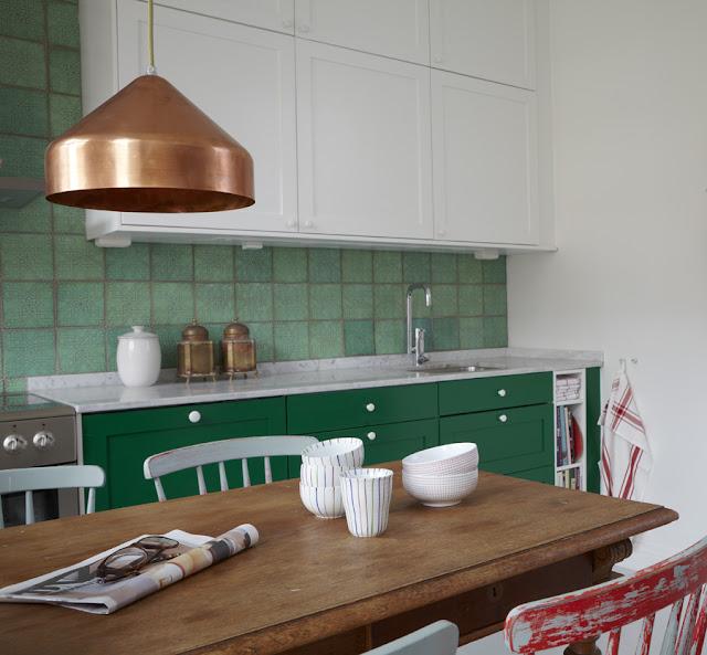 verde esmeralda na cozinha