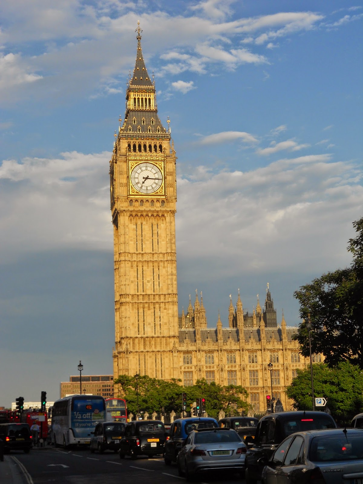 the beauty breakdown thebeautybreakdown london england big ben camden market house of parliament study abroad travel