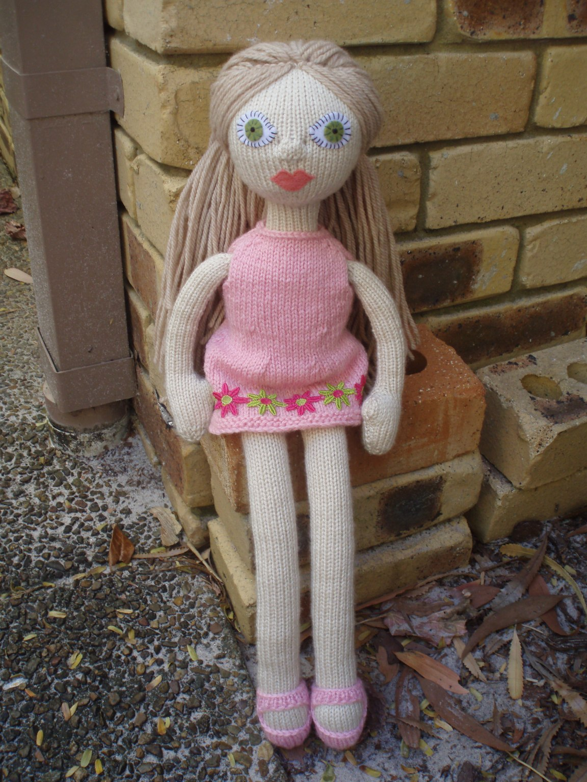 Knitting Patterns For Dolls Booties : An Experiment in Knitted Dolls...: Good Golly Miss Molly...