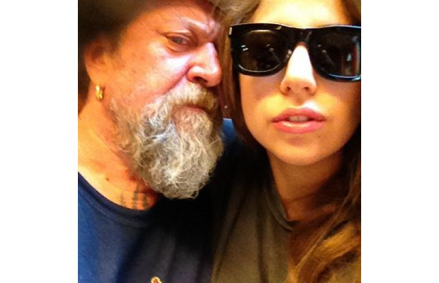 Clever bulletin lady gaga gets an anchor tattoo in amsterdam for Taylor kinney tattoos