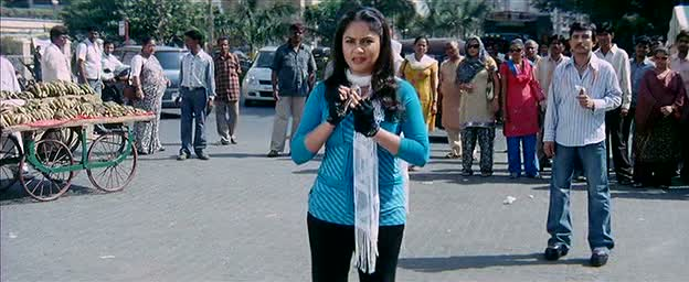 KRK watches Gracy Singh like a stalker