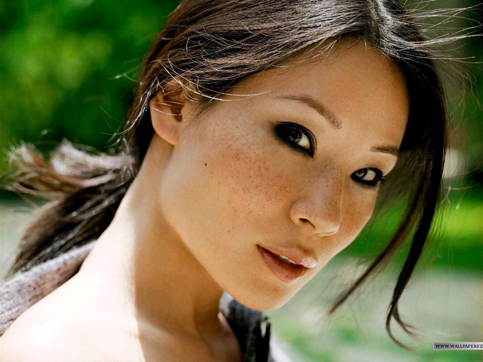 http://4.bp.blogspot.com/-ZG8jmj4Yh-0/T7UojH9NBDI/AAAAAAAADEU/npJgwxSUV68/s1600/lucy-liu-photo-66d093.jpg