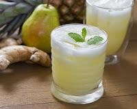 Suco Detox de Abacaxi, Pera e Gengibre