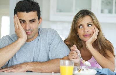 Relationship Trouble Predictors  - issues - man lie to a woman