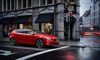 Στη Volvo Σφακιανάκης είστε 22% πιο κοντά στην απόκτηση ενός V40 / V40 Cross Country Livstyl