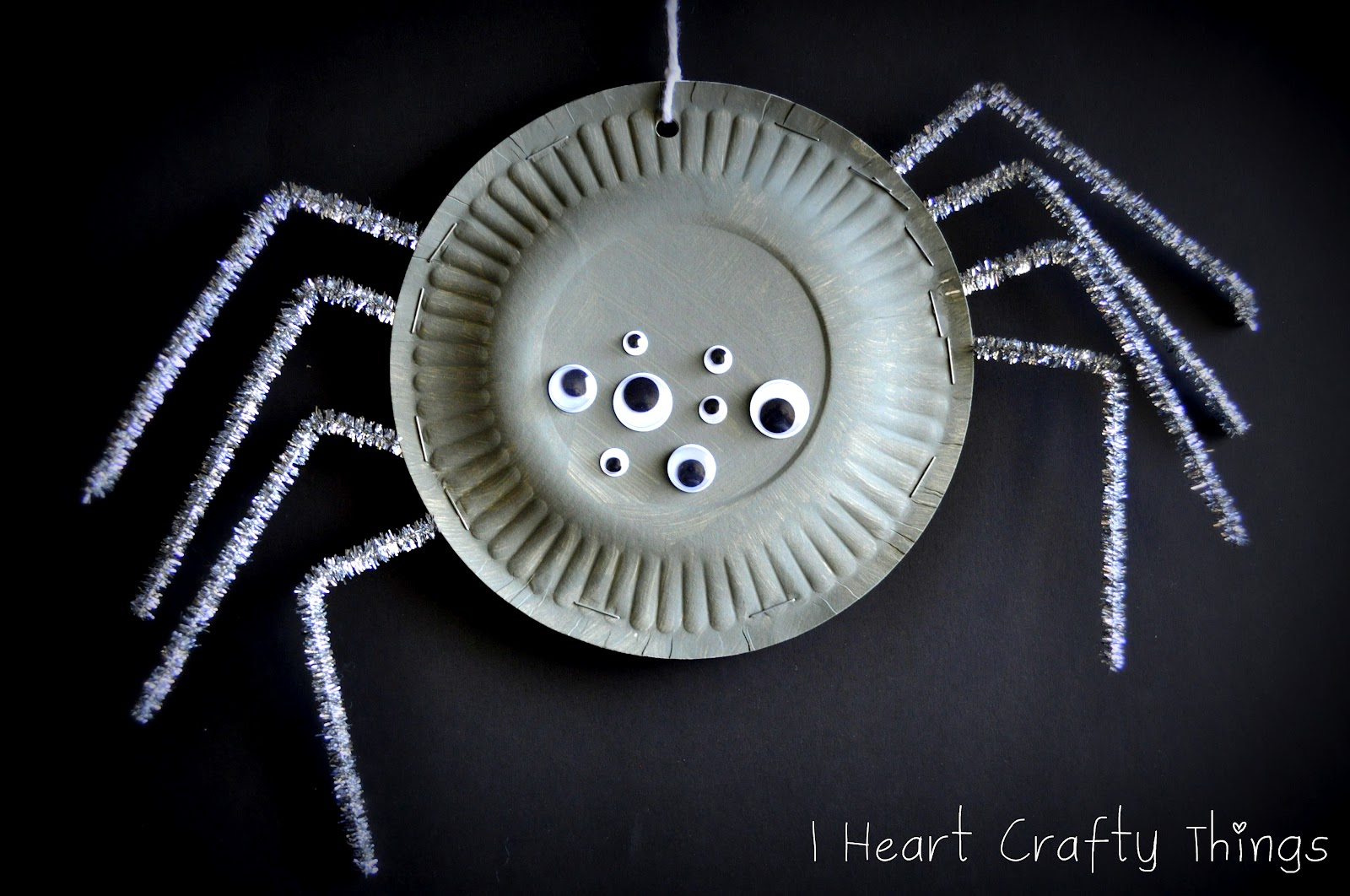 Paper Plate Spiders & Paper Plate Spiders | I Heart Crafty Things