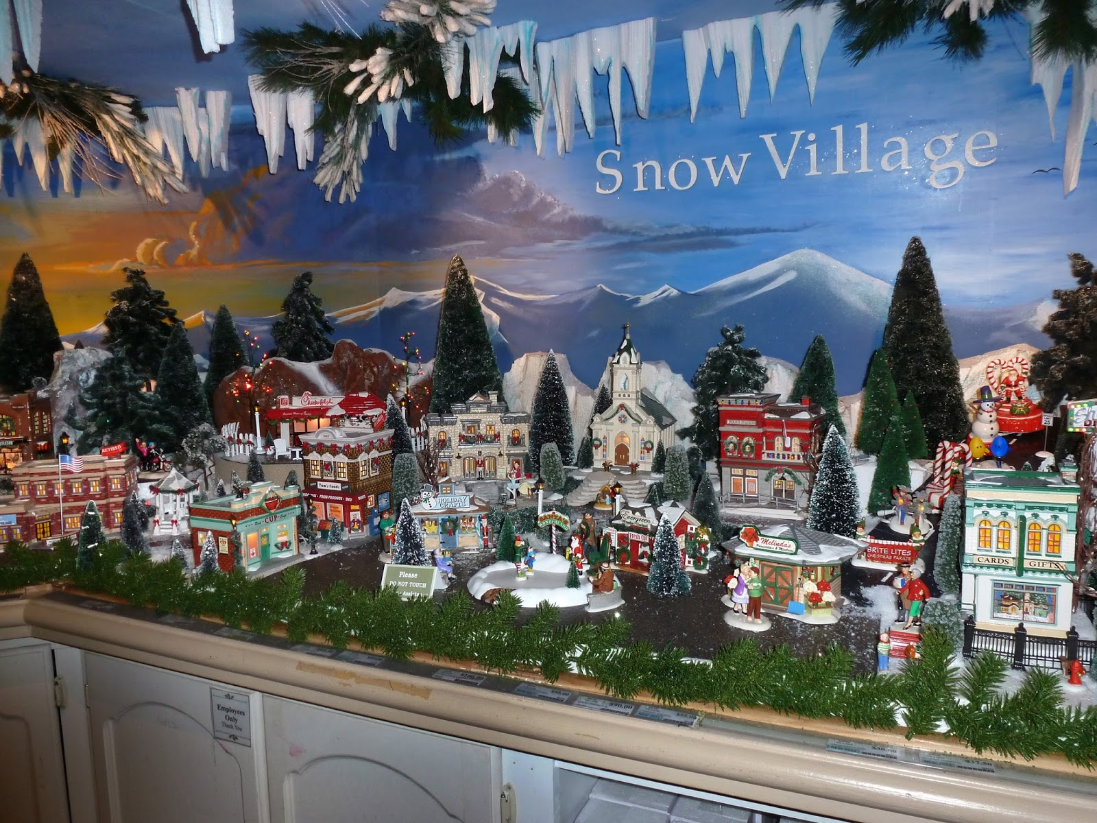 department 56 is one of the most popular brands of christmas villages they have many different lines but my favorite one by far is the snow village - Hallmark Christmas Village