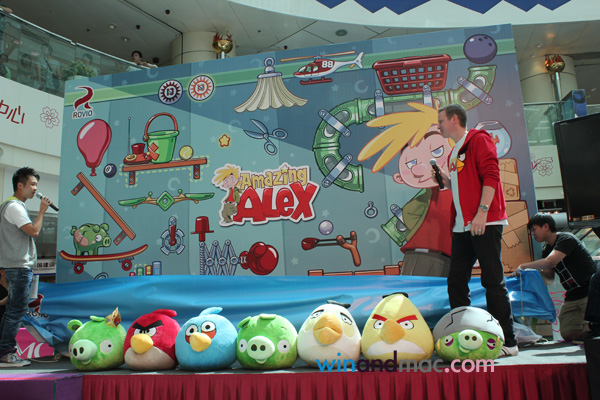 angry birds and amazing alex similarities