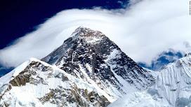 El derretimiento del glaciar en el Everest expone los cadáveres de montañistas desaparecidos