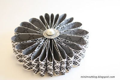 easy paper flower for gifts: paper flower tutorial