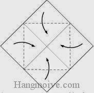 Bước 2: Gấp bốn góc tờ giấy vào trong