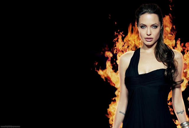 Angelina Jolie Pretty Wallpapers