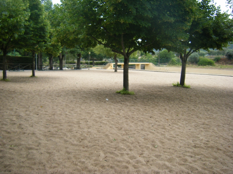 Zona do Areal com Sombra das Árvores