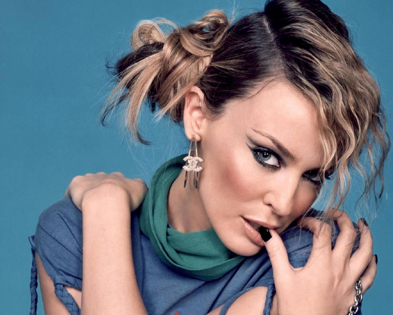 http://4.bp.blogspot.com/-ZHSoypNdF0c/T6fOdA_Wm8I/AAAAAAAAAC8/uBLPIt3CD4k/s1600/Kylie-Minogue-kylie-minogue-64557_1280_1024.jpg