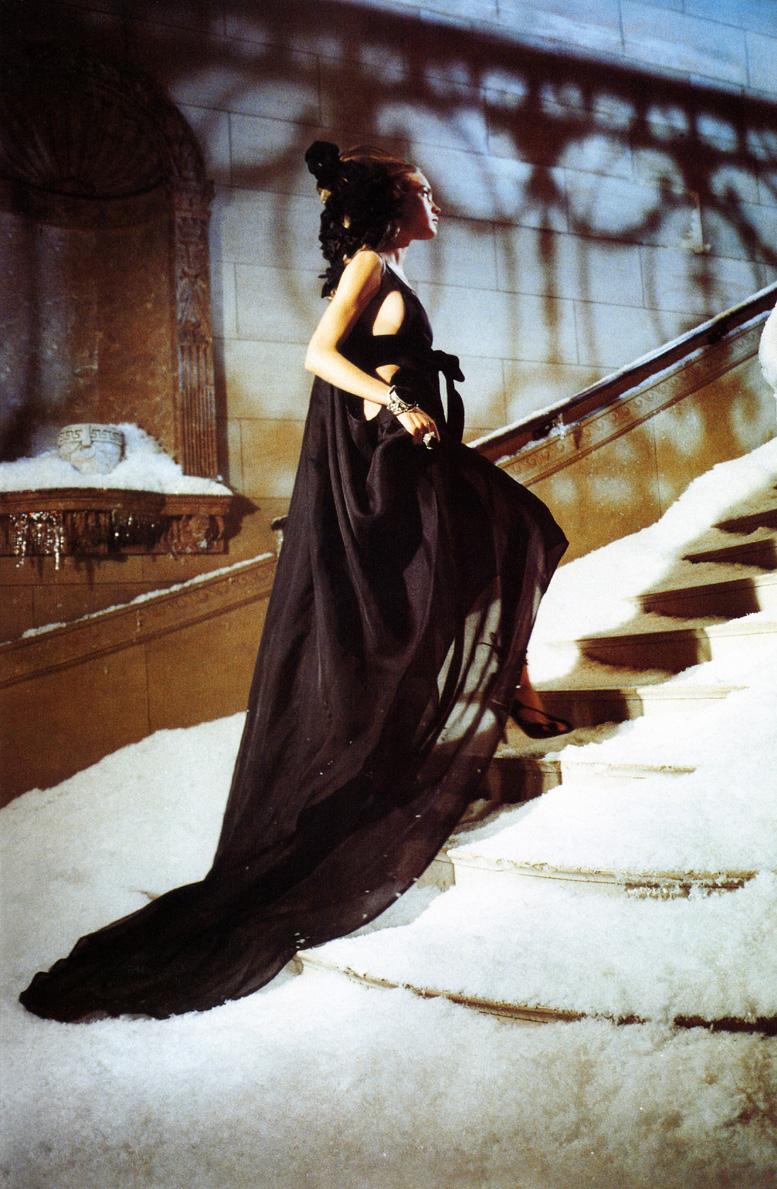 Natalia Vodianova in The Splendid Allure / Vogue Italia October 2002 (photography: Ellen von Unwerth)