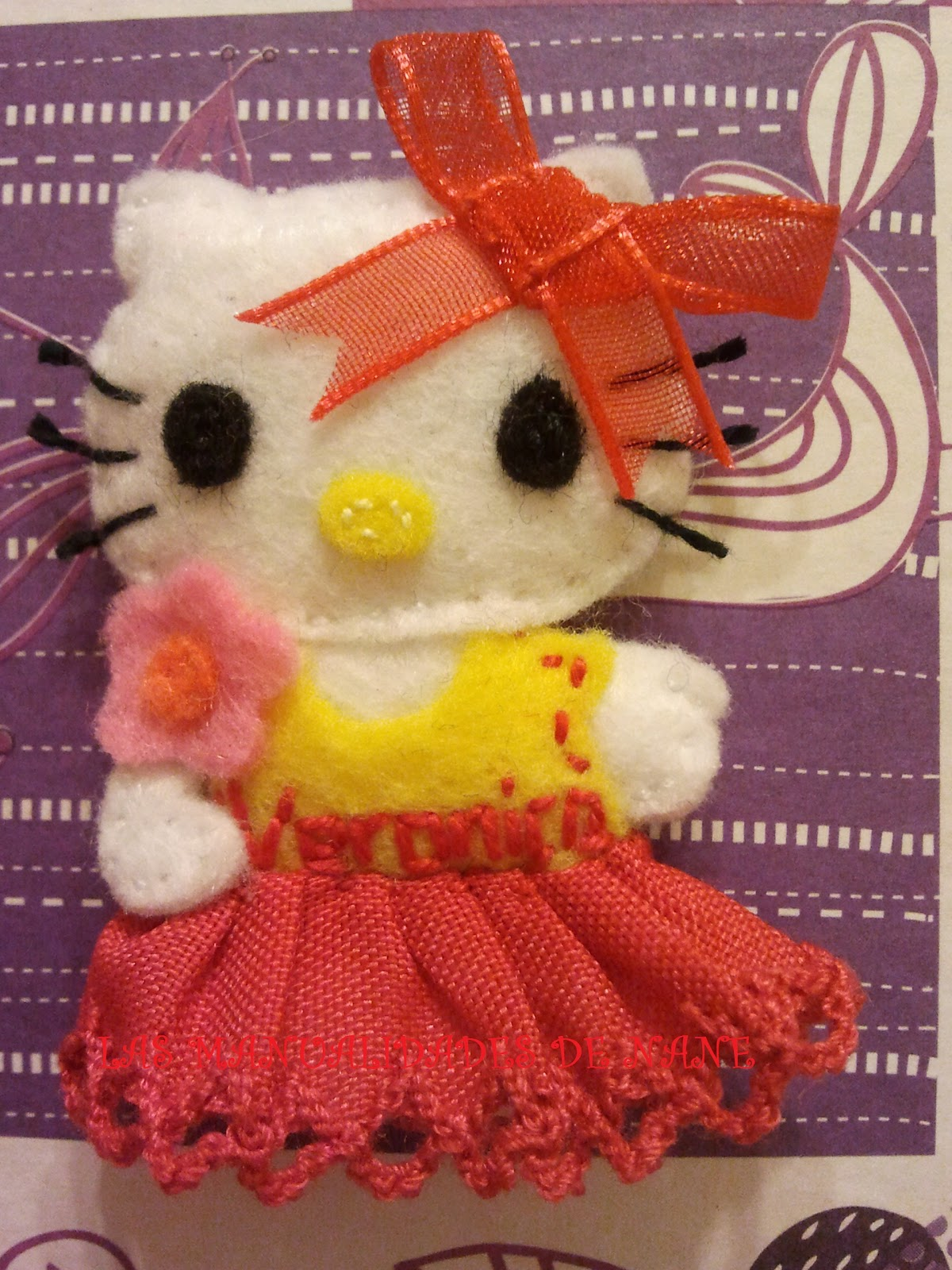 Las manualidades de nane broches fieltro hello kitty - Broches para manualidades ...