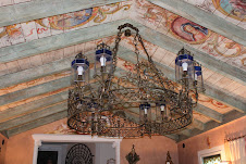 Amazing chandolier in the reception room.